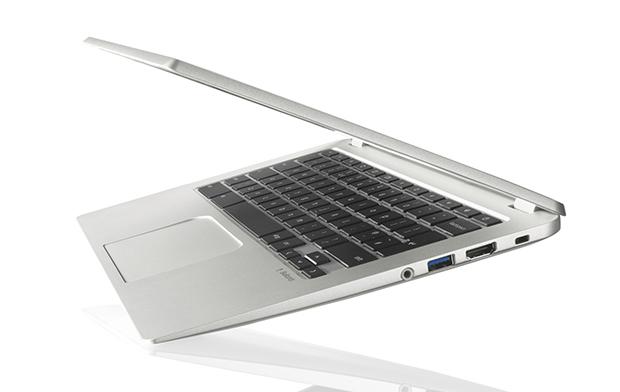Toshiba Chromebook CB30-B-104 2.16GHz N2840 13.31920 x 1080pixels Silver - refurbished
