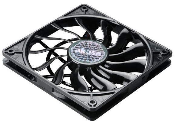 Akasa 120 x 15mm Slim PWM Black fan